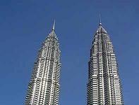TETRA na służbie w najwyższych bliźniaczych budynkach świata.