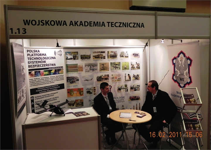 Lotnisko-2011-Wojskowa-Akademia-Techniczna