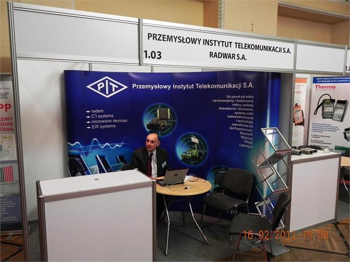 Przemyslowy-Instytu-Telekomunikacyjny-Radwar-stoisko-Lotnisko2011