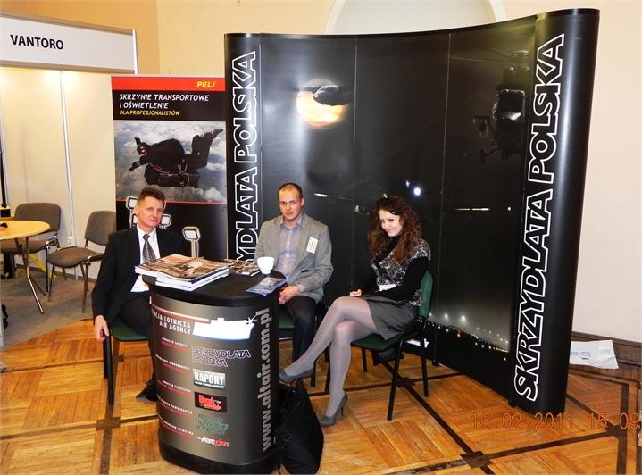 Skrzydlata-Polska-organizatorzy-konferencji-Lotnisko-2011.JPG