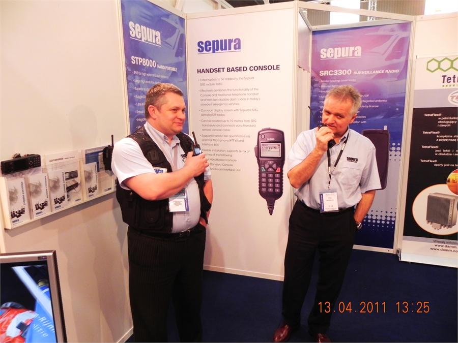 05Proba-lacznosci-stoisko-sepury-na-europoltech-2011