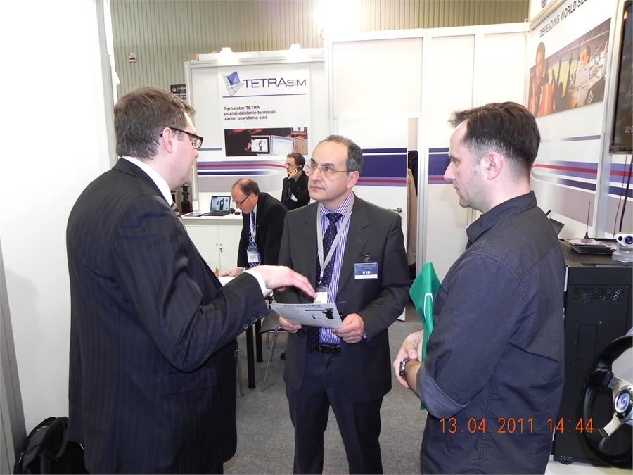 13Cassidian-stacja-bazowa-TETRA-TBS3-Europoltech-2011-targi-wyposazenia-policji