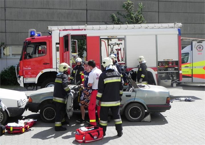 03-TWC-2011-TETRA-Forum-Hungary-Live-Demonstration-Car-Accident