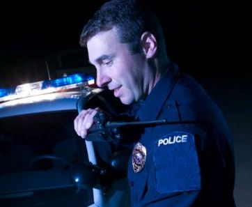 US-police-radio-small.jpg