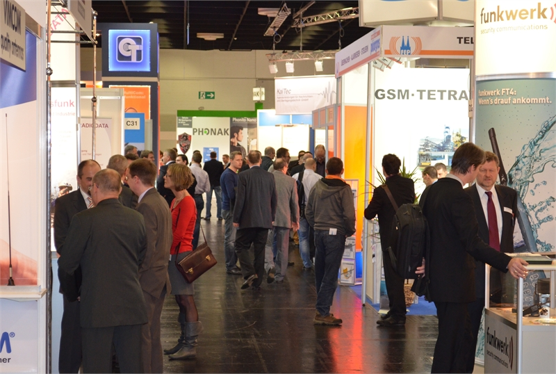 18-Visitors-overview-PMR-Expo-2011-exhibition