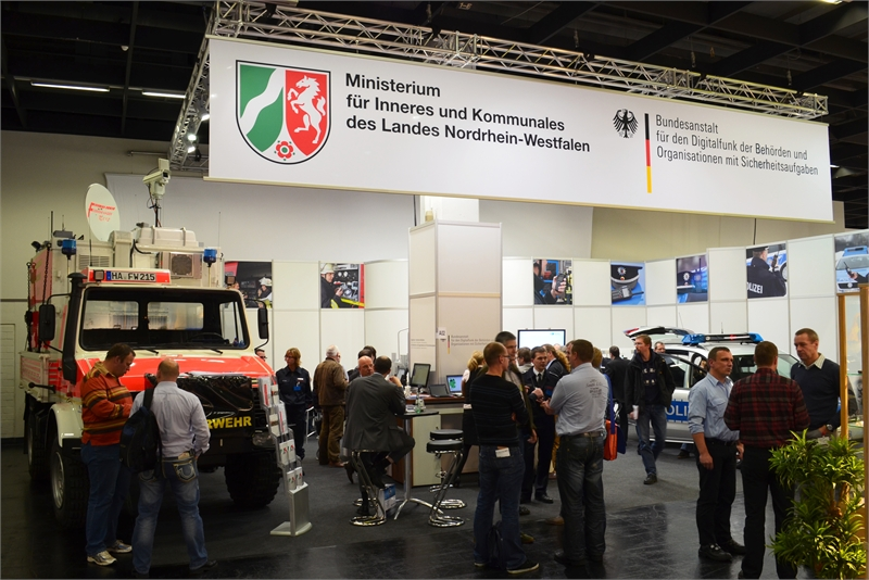 20-BDBOS-and-Ministry-Nordrhein-Westfalen-stand-PMR-Expo-2011