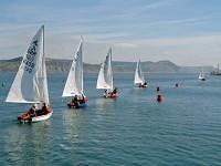 żaglówki podczas regat olimpijskich na wodach Dorset w UK.