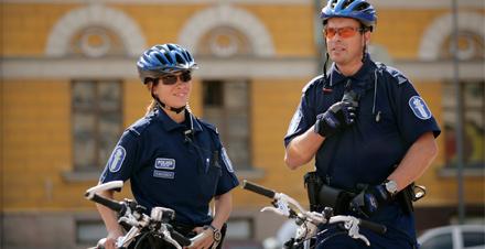 finska-policja-na-rowerach-small.jpg
