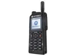 Radiotelefony TETRA z firmy Aksel w stołecznej policji podczas Euro2012