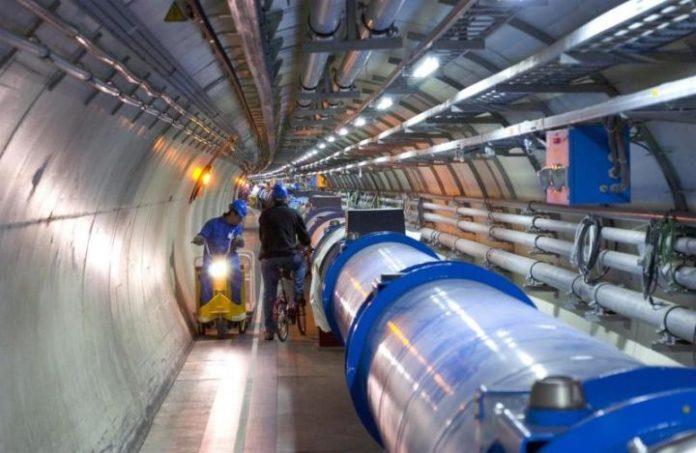 Wnętrze tunelu LHC