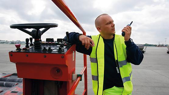 Radiotelefony Cassidian dla lotnisk