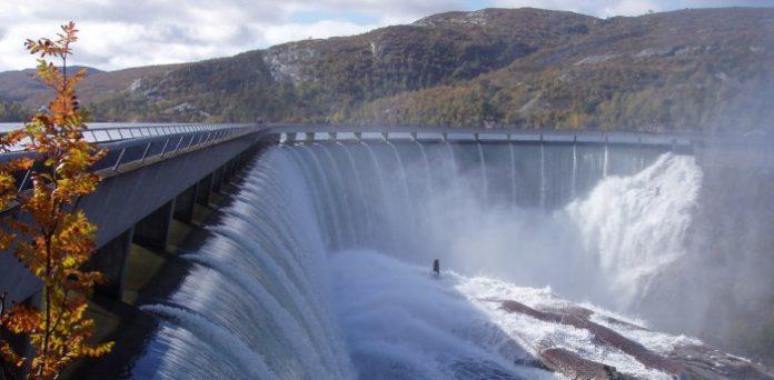 Zapora na norweskiej rzece