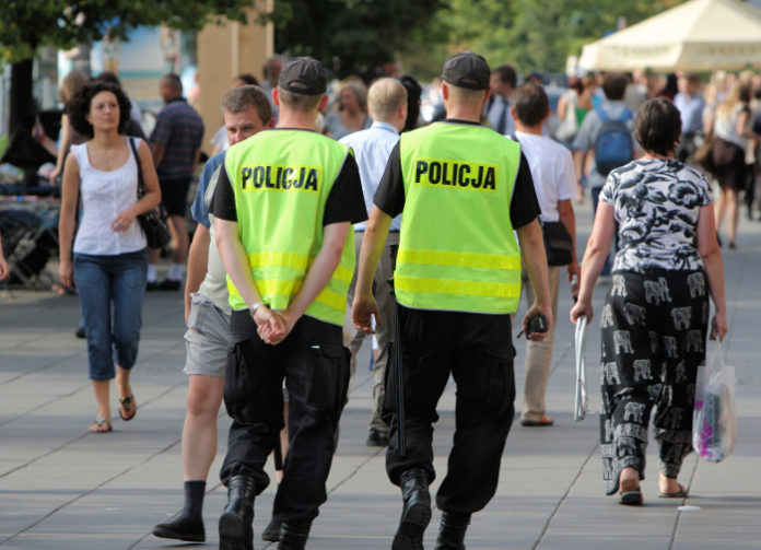 Polscy policjanci na patrolu