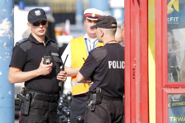 policjanci-zabezpieczenie