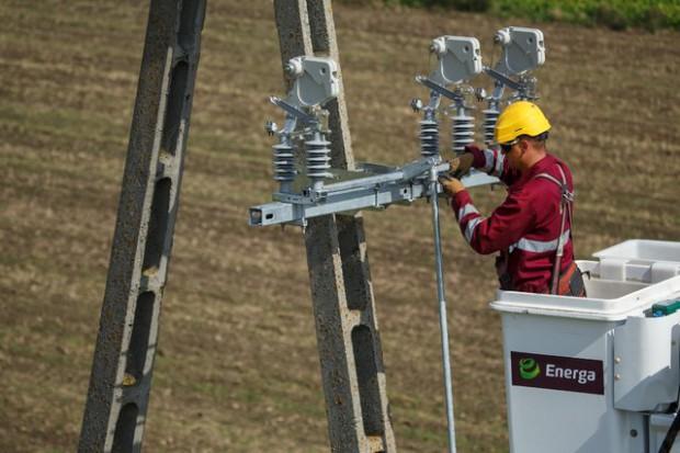 Energa-Operator-pracownik-slup-energetyczny