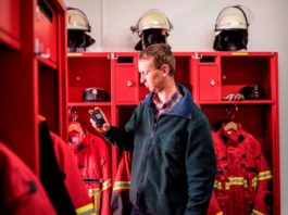 Straż pożarna w niemieckim Hamburgu może reagować szybciej dzięki pagerom TETRA firmy Motorola Solutions