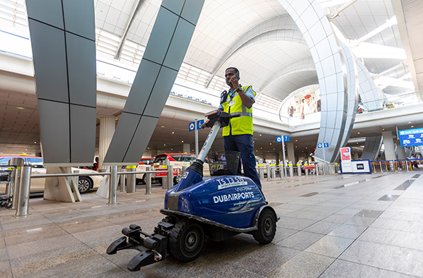 Dubai-lotnisko-komunikacja-radiowa-TETRA-Airubs