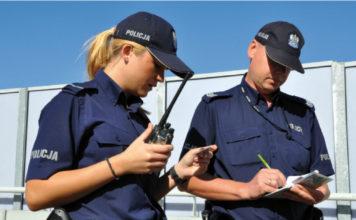 Stołeczni policjanci podczas patrolu