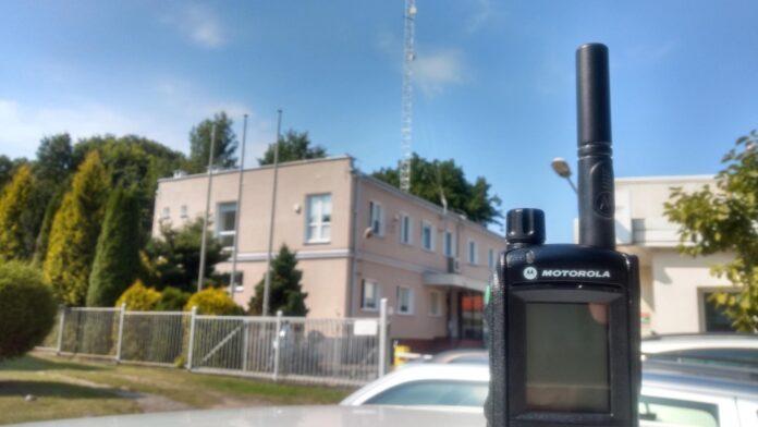 radiotelefon_tetra_motorola_energa_w_tle_edr_w_straszynie