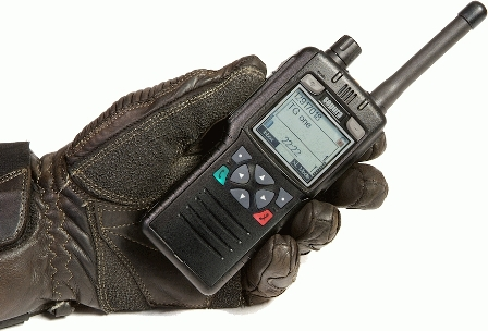 Sepura-STP8100-gloves-on-TETRA-radio.jpg